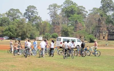 Angkor cycling tour in Siemreap